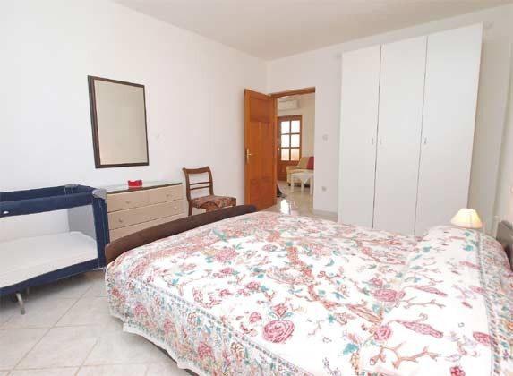 FW2 Schlafzimmer 1 - Bild 2 - Objekt 160284-226