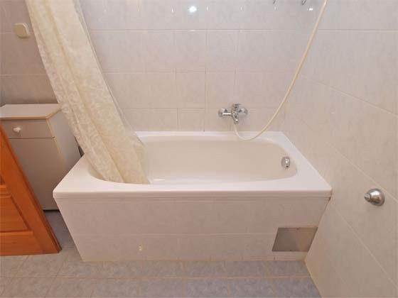 FW2 Badewanne mit Duschmöglichkeit - Objekt 160284-226
