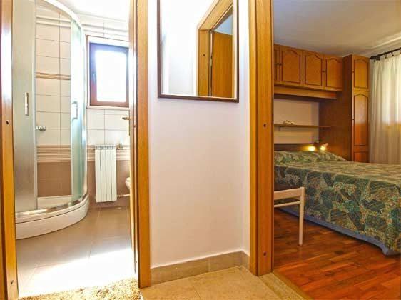 Schlafzimmer 1  und Duschbad - Objekt 160284-233