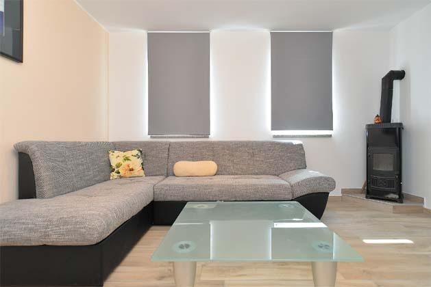 Schlafcouch im Wohnzimmer - Bild 1 - Objekt 160284-240