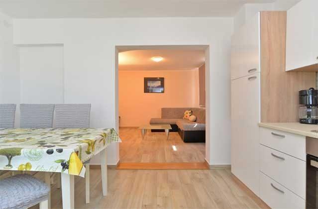 Blick von der Küche ins Wohnzimmer - Objekt 160284-240