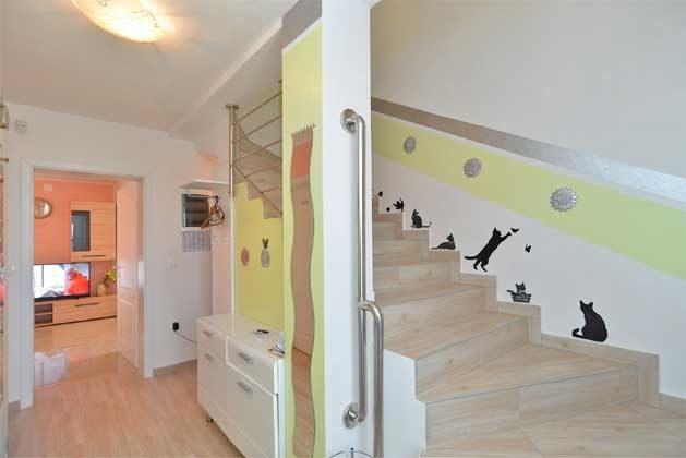 Treppe ins Obergeschoss - Objekt 160284-248
