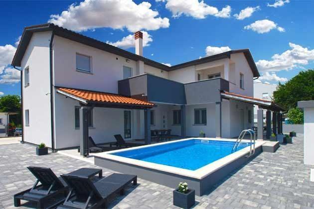 Haus und Pool A1 rechts A2 links - Objekt 160284-252