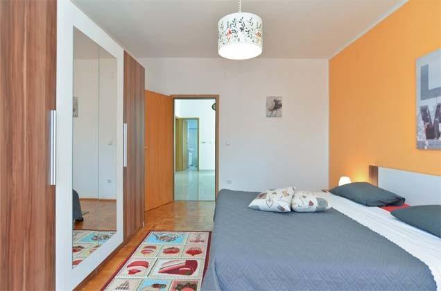 Schlafzimmer 1 - Bild 2 - Objekt 160284-261