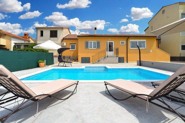 Ferienhaus und Pool - Bild 2 - Objekt  150284-262