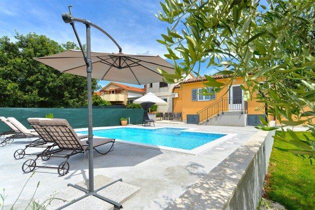 Ferienhaus und Pool - Bild 1 - Objekt  150284-262