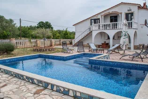 Haus und Pool -  Bild 1 - Objekt 160284-266