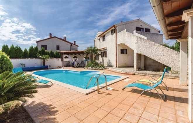 Ferienhaus und Pool - Bild 2 - Objekt 160284-269