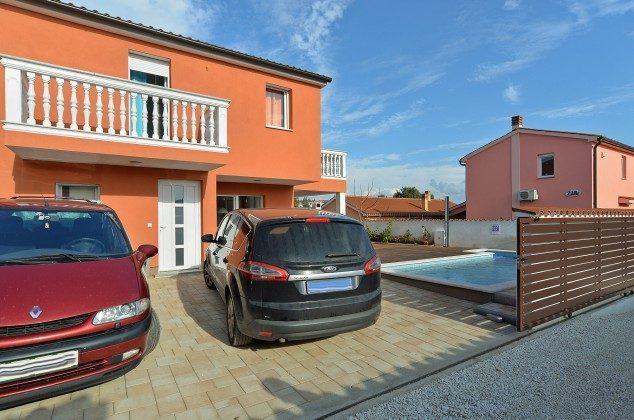 Parkplatz am Haus - Bild 1 - Objekt 160284-270