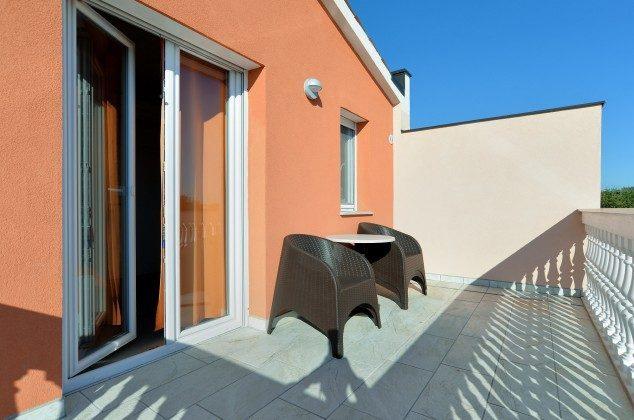 Schlafzimmer 2 Balkon - Bild 2 - Objekt 160284-270