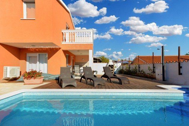 Pool und Poolterrasse - Bild 1 - Objekt 160284-270