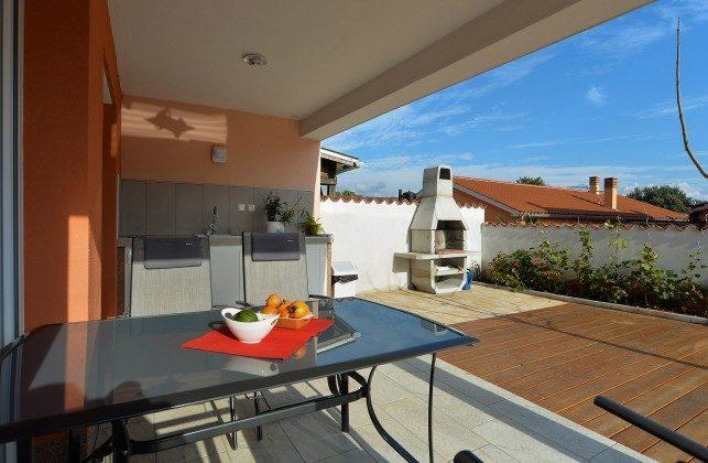 Terrasse mit Sommerküche - Bild 1 - Objekt 160284-270