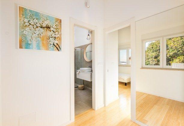 Duschbad im Obergeschoss- Bild 2 - Objekt 160284-277
