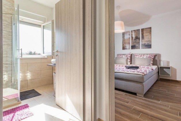 Schlafzimmer 2 und Duschbad 2 - Objekt 160284-283