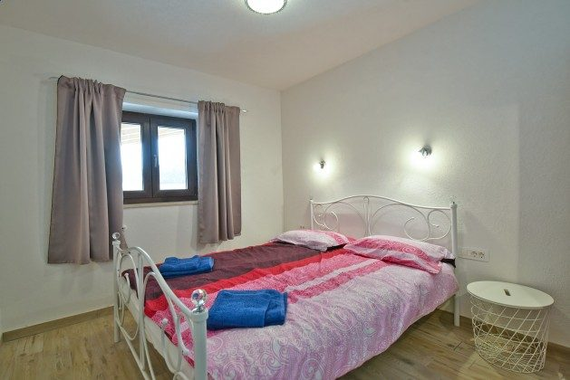 Schlafzimmer 1 EG - Bild 1 - Objekt 160284-301