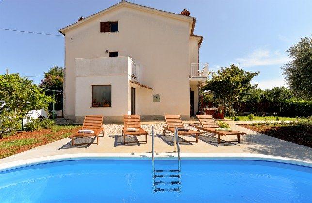 Ferienhaus und Pool - Bild 2 - Objekt 160284-307