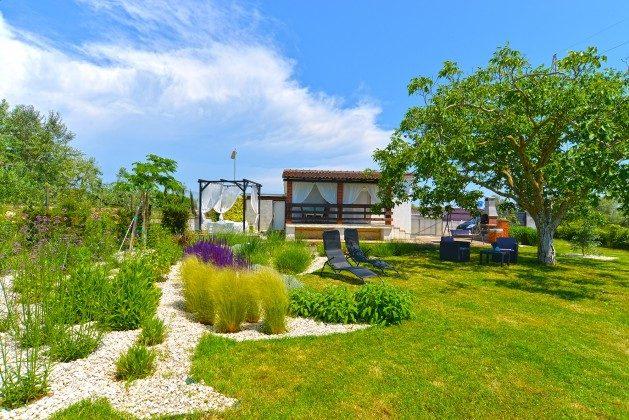 Ferienhaus und Garten - Bild 2 - Objekt 160284-311