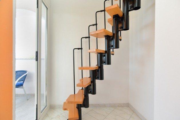 FW2 Treppe ins Obergeschoss - Objekt. 160284-313