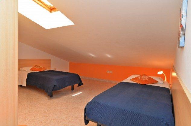 FW2 Schlafzimmer mit 2 Einzelbetten OG - Objekt. 160284-313