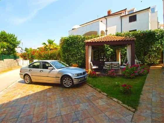 Gartenpavillon und Parkplätze - Objekt 160284-315