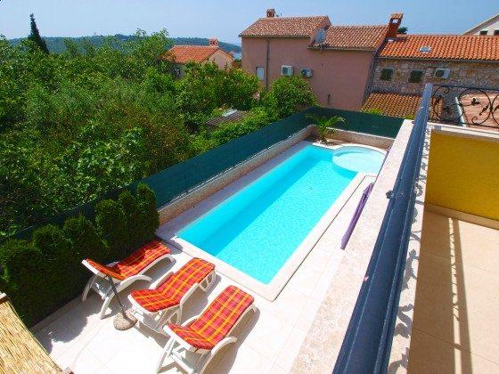 Blick vom Balkon auf den Pool - Objekt 150284-328