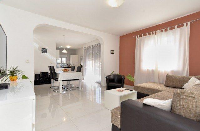 Wohnzimmer und Küche - Bild 2 - Objekt 160284-337
