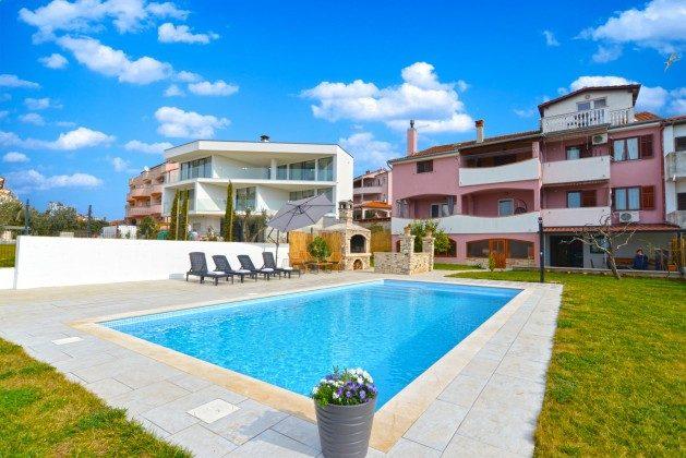 Ferienhaus und Pool - Bild 2 - Objekt 160284-340