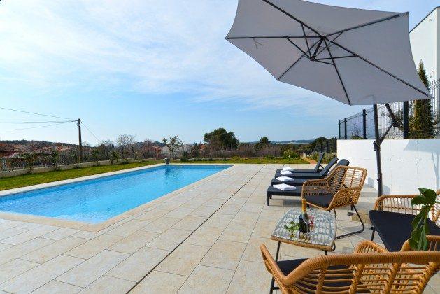 Pool und Poolterrasse - Objekt 160284-340