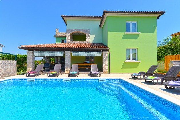 Ferienhaus und Pool  - Bild 1 - Objekt 160284-344