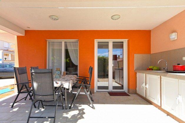 Sitzterrasse mit Sommerküche - Bild 1 - Objekt 160284-347