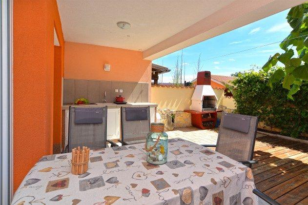 Sitzterrasse mit Sommerküche - Bild 2 - Objekt 160284-347