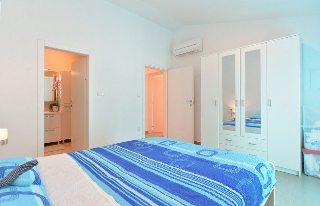 Schlafzimmer 1 - Bild 2 - Objekt 160284-347