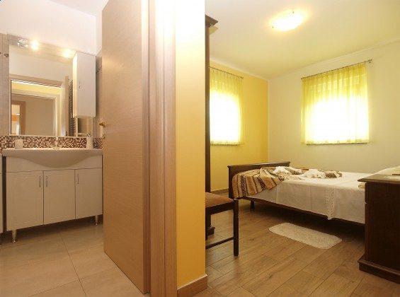 Schlafzimmer 1 und Duschbad 1 - Objekt 160284-348