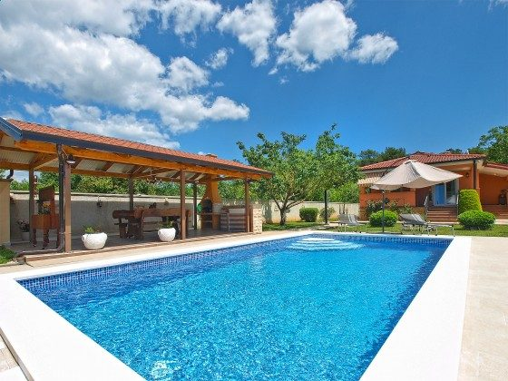 Ferienhaus Pool und Grillterrasse - Objekt 160284-348