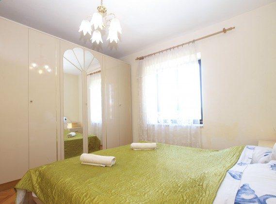 Schlafzimmer 1 EG - Bild 2 - Objekt 160284-349