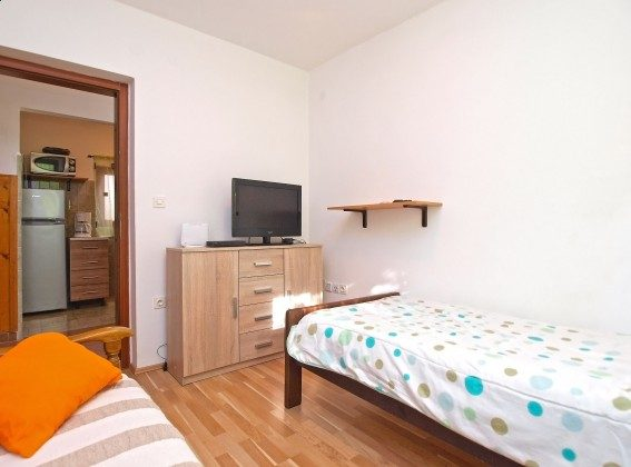 Schlafzimmer 2 - Bild 3 - Objekt 160284-351