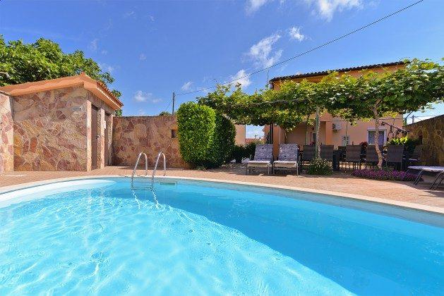 Ferienhaus und Pool - Bild 2 - Objekt 160284-353