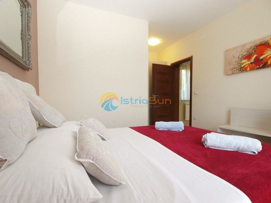Schlafzimmer 1 -- Bild 2 - Objekt 160284-360
