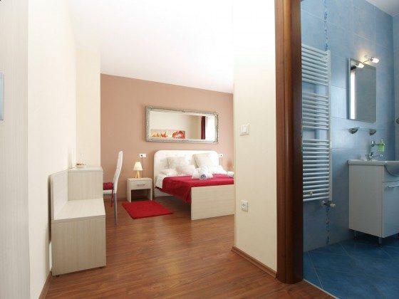 eines der Schlafzimmer und eines der Duschbäder - Objekt 160284-360