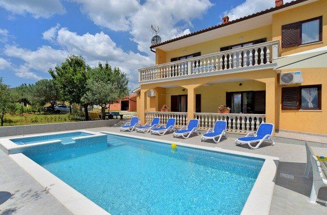 Ferienhaus und Pool - Bild 1 - Objekt 160284-361