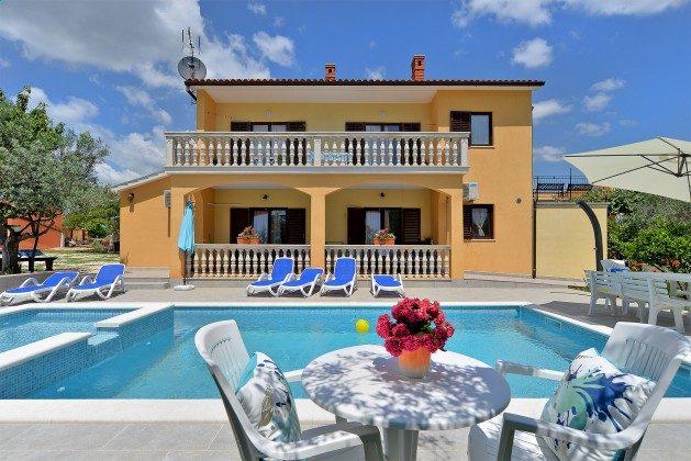 Ferienhaus und Pool - Bild 2 - Objekt 160284-361