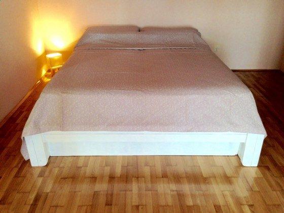 Doppelbett im Schlafzimmer - Objekt 160284-364