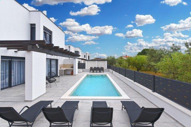 Ferienvilla und Pool - Bild 3 - Objekt 160284-366