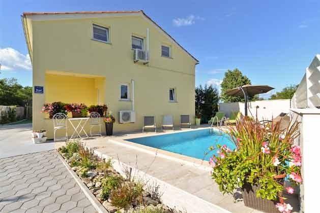 Ferienhaus und Pool - Bild 1 - Objekt 160284-71