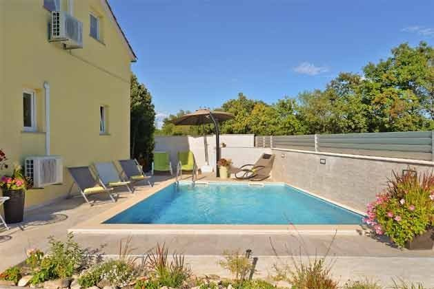 Ferienhaus und Pool - Bild 2 - Objekt 160284-71