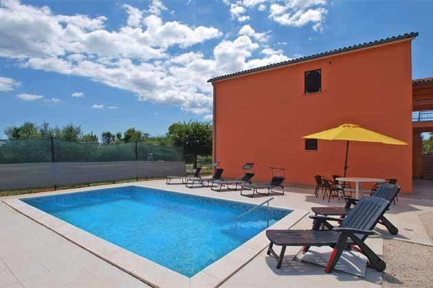 Ferienhaus und Pool  - Bild 1 - Objekt 160284-72