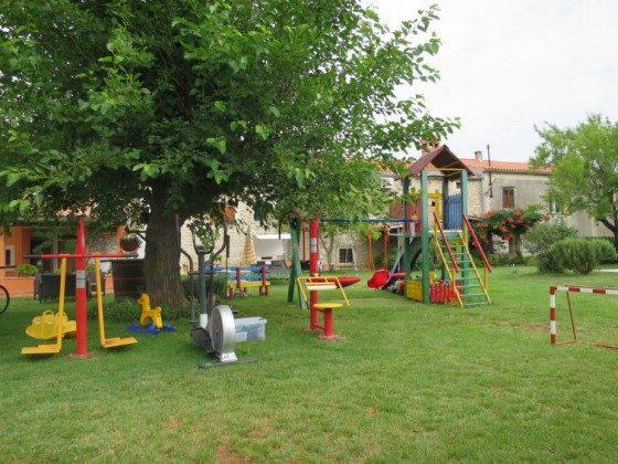 Spielgeräte im Garten - Bild 5 - Objekt 160284-80