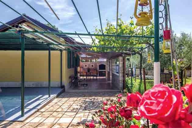 Gartenweg zum Haus - Objekt 160284-85