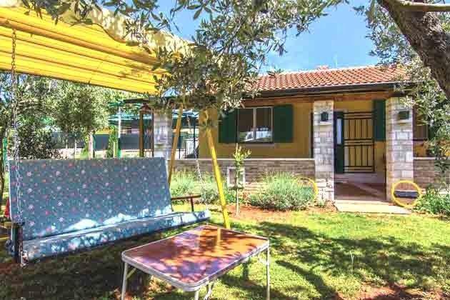 Ferienhaus und Garten - Bild 1 - Objekt 160284-85