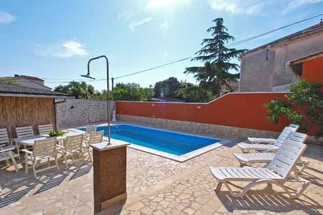 Pool und Terrasse - Bild 1 - Objekt 160284-8